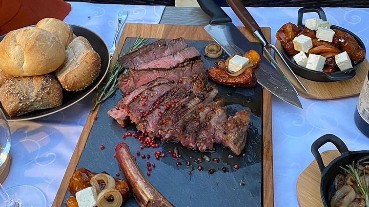 steakhouse-birmensdor-steak-tomahawk